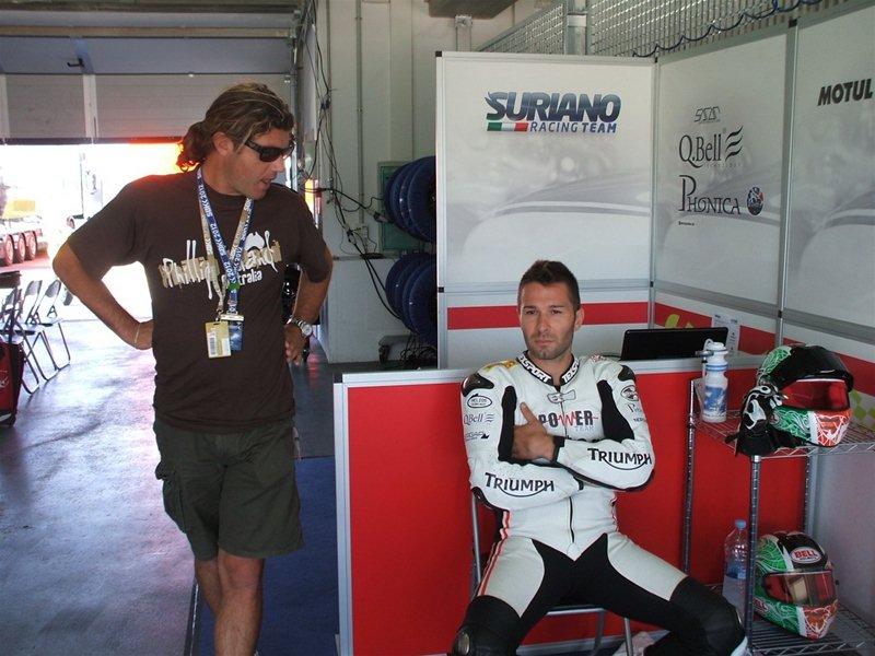 Сэм Лоуэс выиграл гонку WSS в Арагоне