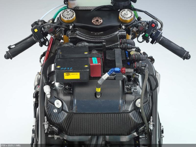 Гоночный прототип Yamaha YZR-M1 2006 Валентино Росси